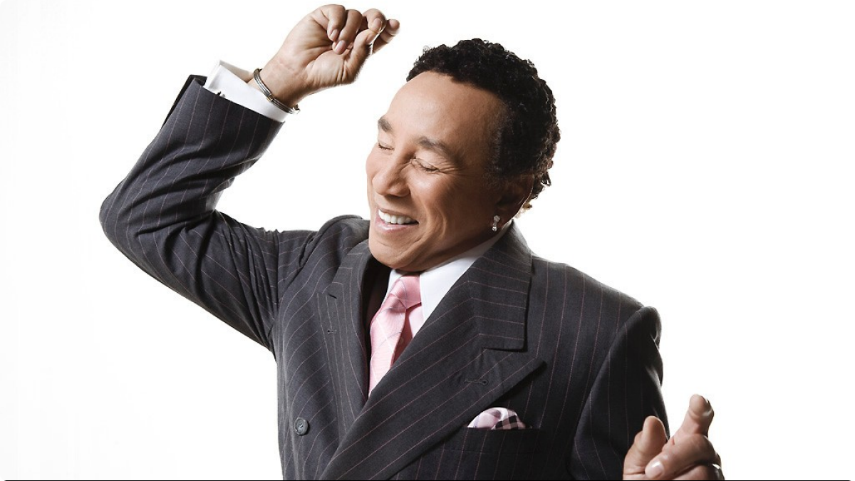 103013-shows-sta-performer-smokey-robinson-press-portrait.jpg